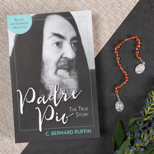 Padre Pio: The True Story-3rd Edition & Padre Pio Chaplet (Gift Set)