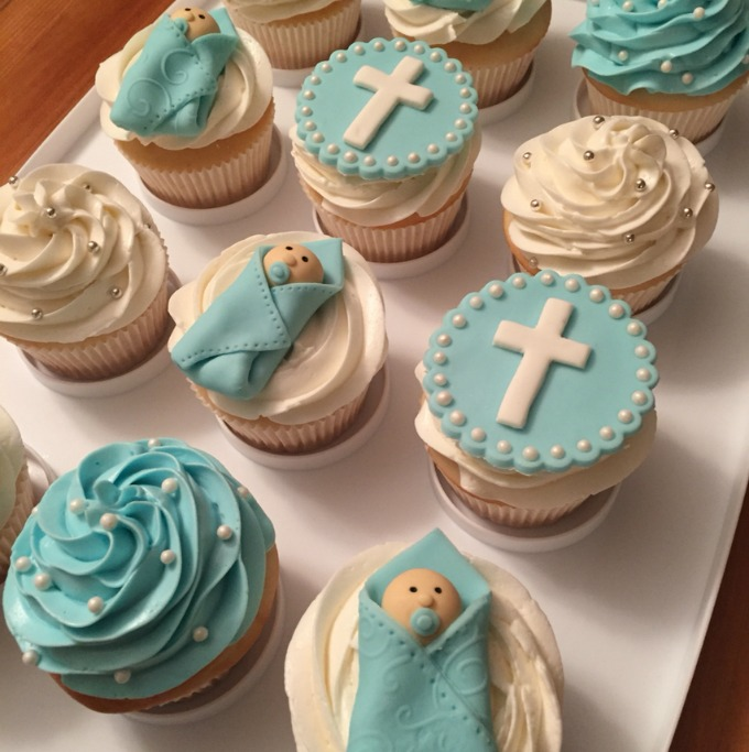Cupcakes, rather than a full cake, are very popular at baptism parties.