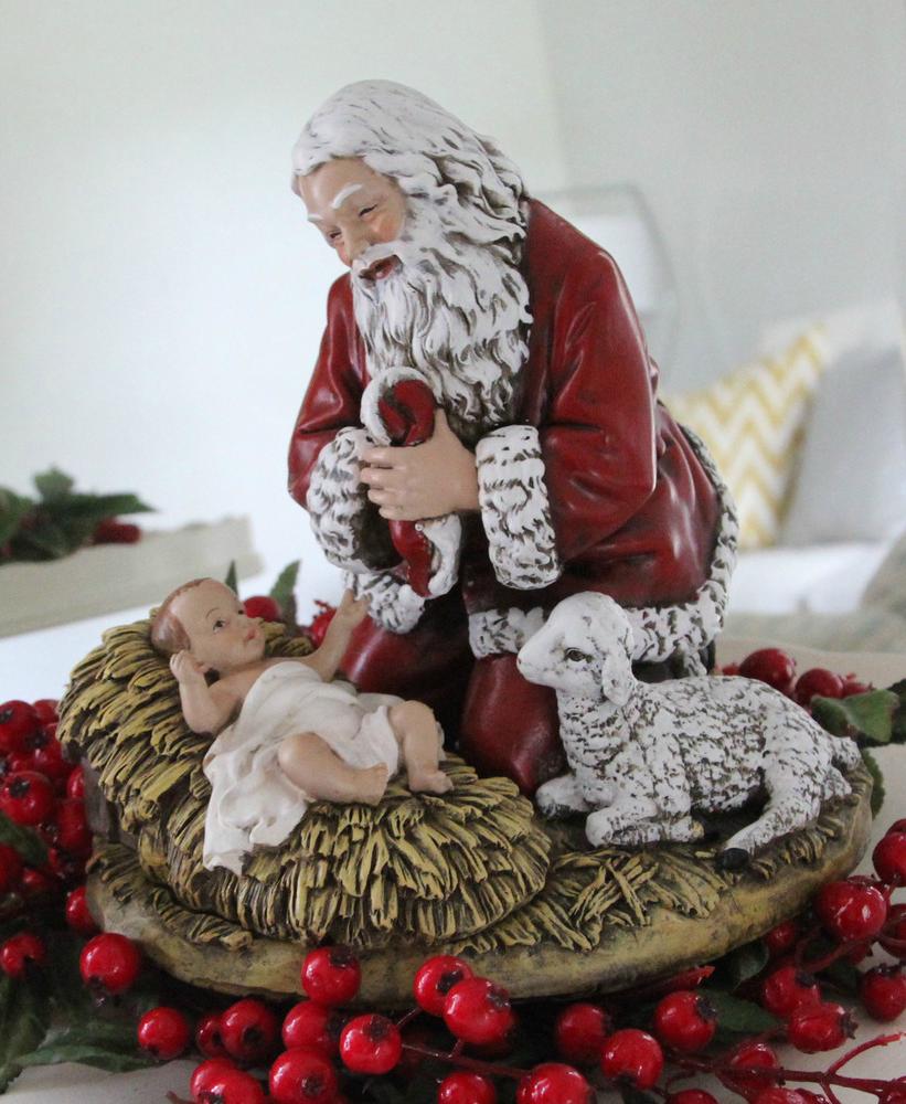 """Kneeling Santa Figure 8"""""""