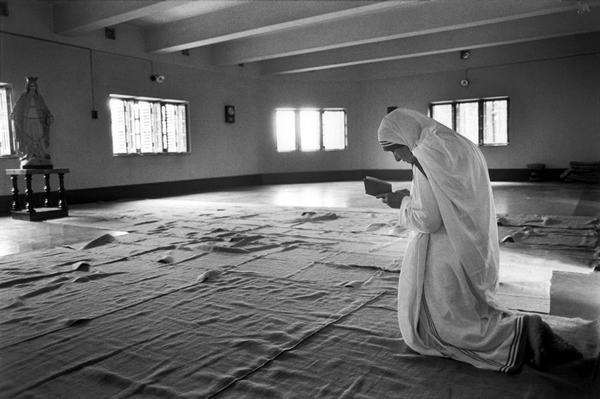 Mother Teresa at prayer