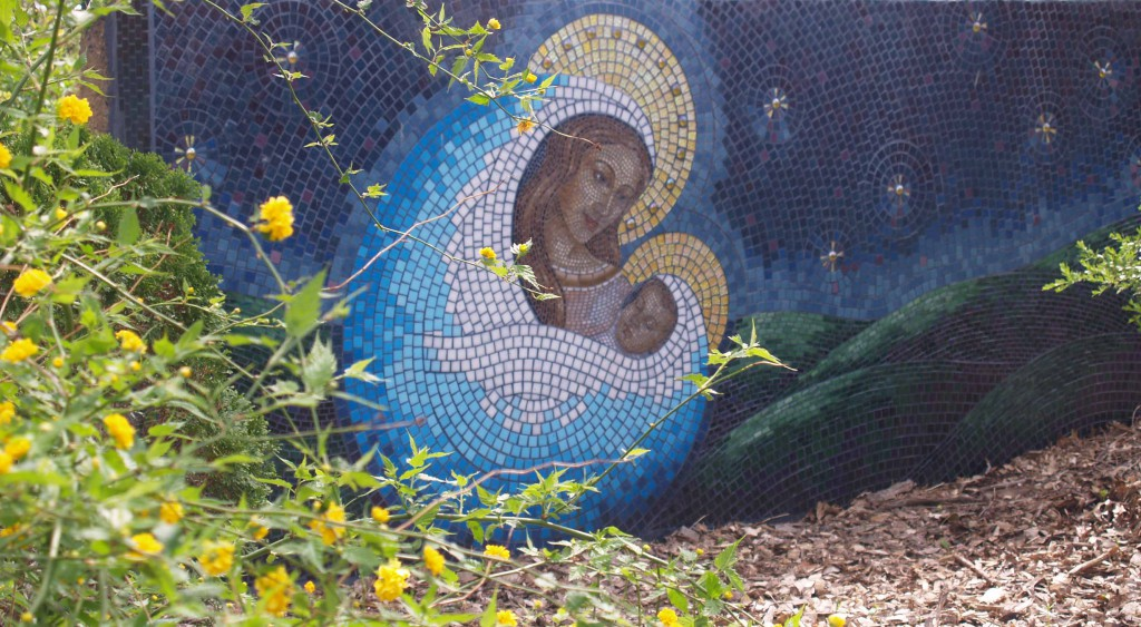 A statue of the Blessed Virgin isn't the only way to decorate a Marian garden - what about a gorgeous mosaic? This is a good option when a wall is present but ground space is limited...or if you just want to display your artistic taste.