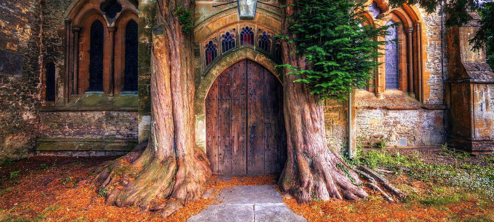 St-Edwards-Church-Door.png