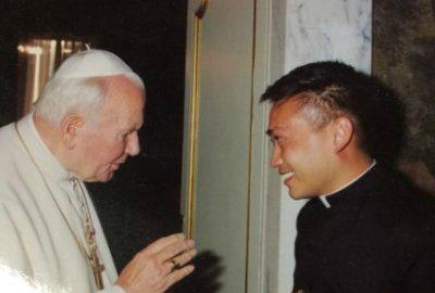 Fr. Leo Patalinghug with Pope St. John Paul II