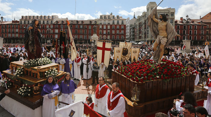 Procesión del Encuentro - The Encounter Procession in Valladolid, Spain. Image source: www.elnortedecastilla.es