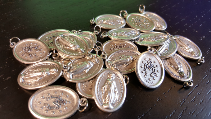 25 Pack of Miraculous Medals