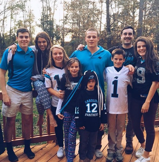A whole family of Carolina fans...