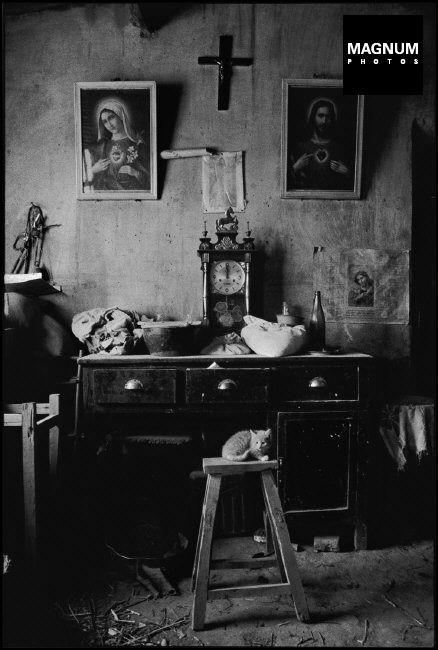 CHINA. Inner Mongolia. 1992. A nun's bedroom.