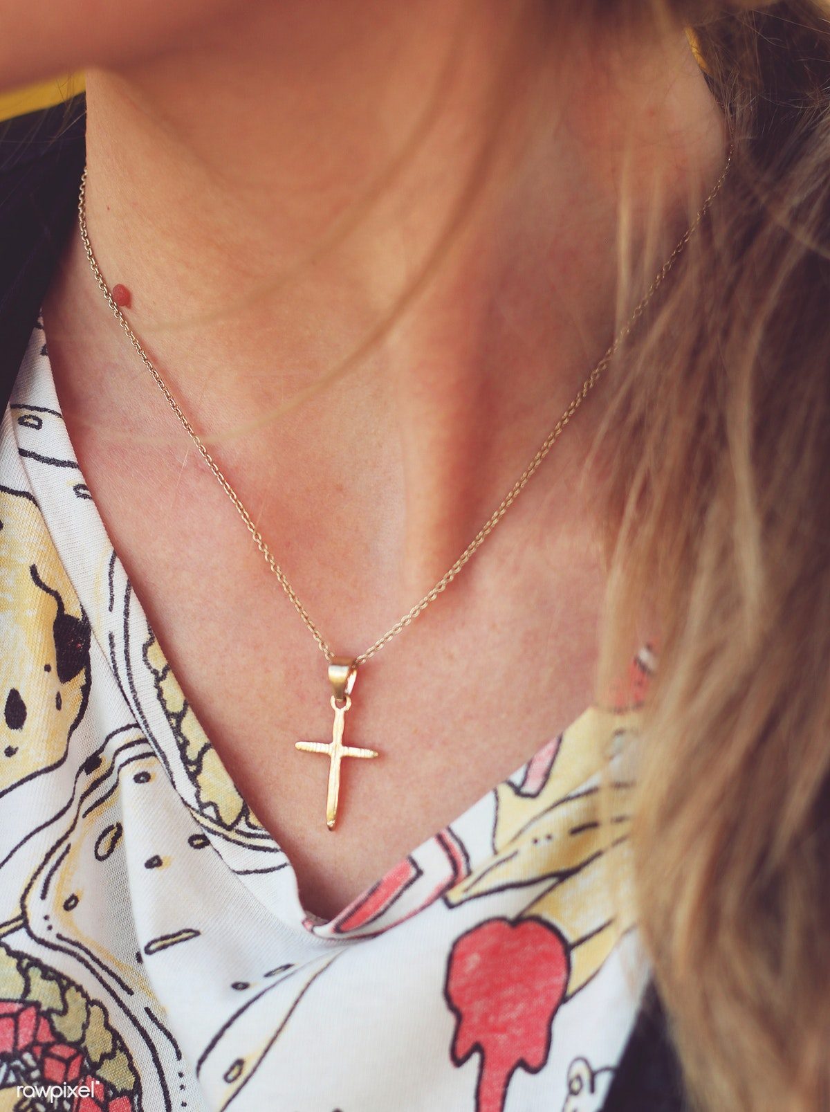 Woman with cross necklace